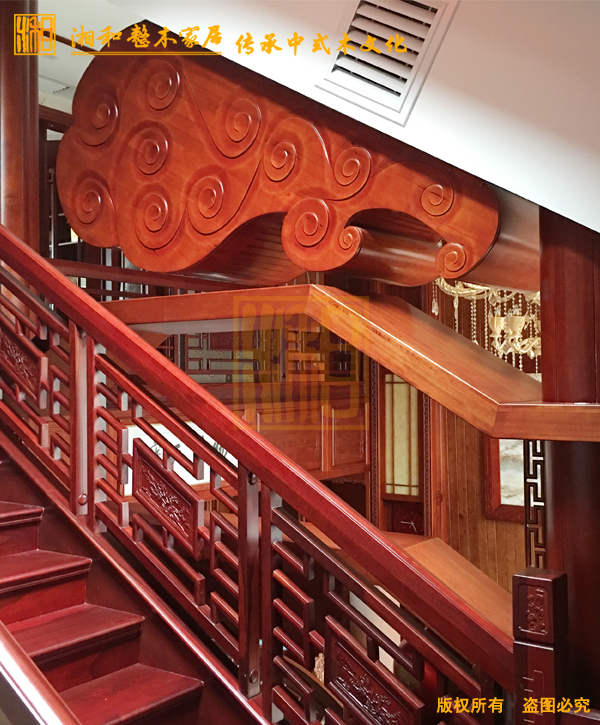 原木楼梯叁